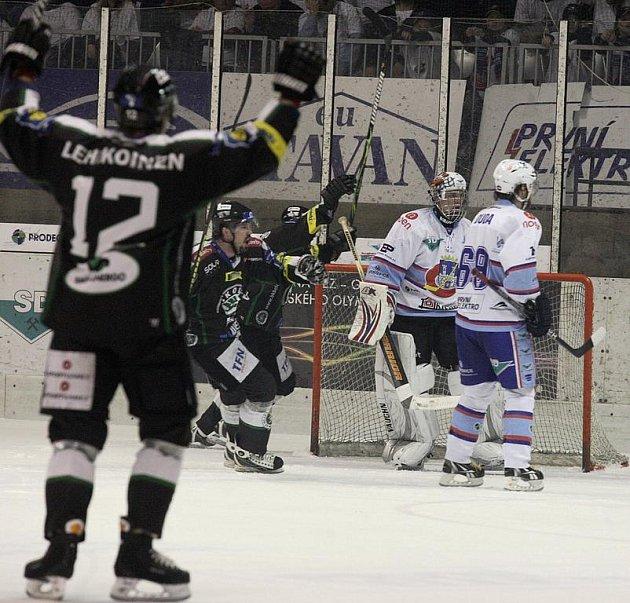 3.hokejový zápas baráže KLH Chomutov  vs. BK Mladá Boleslav.