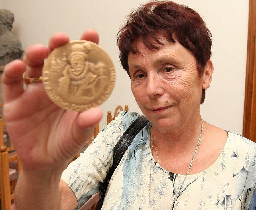 Jednou z oceněných byla i historička Eva Šamšulová