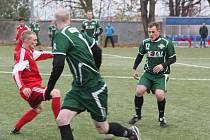 V domácím listopadovém utkání Perštejn (v zeleném) podlehl Kopistům 3:4