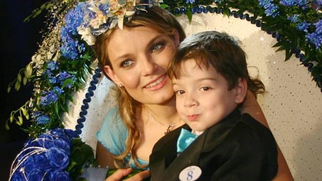 Nejmilejší maminkou byla zvolena Edita Burešová s Tomíkem.