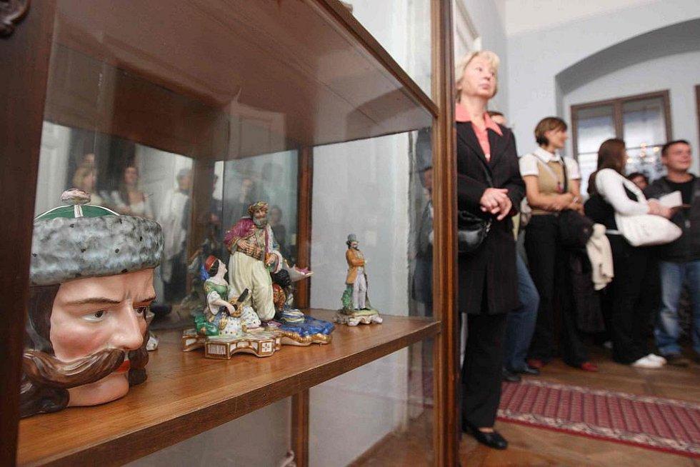 Netradiční noční prohlídka muzea českého porcelánu na zámku v Klášterci nad Ohří