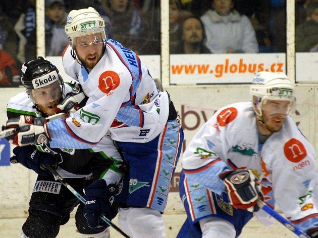 V sobotu se ve třetím vzájemném utkání střetly týmy bojující ve finále play off první ligy, a to KLH Chomutov a BK Mladá Boleslav.