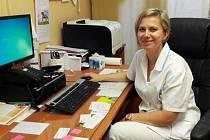 Markéta Hrabáková zastává post vrchní sestry na chirurgickém oddělení v Chomutově, předtím 17 let pracovala na ARO v téže nemocnici.
