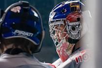 Mladí hokejisté chomutovských Pirátů od pondělí trénují na ledě.