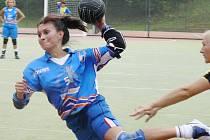 V Tymákově nastřílela deset gólů Jarka Čihařová, včera proti Přešticím se to povedlo kapitánce Heleně Benešové.