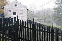 CHATKY, ZAHRÁDKY a rekreační domky kolem řeky Ohře zůstanou. Analytické podklady kláštereckého územního plánu na jejich existenci nemají vliv. Všichni se tak mohou těšit na příští letní sezonu.