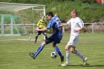 AFK LoKo Chomutov - SK Kladno 5 : 2, domácí v bílém.