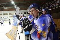 Radost kláštereckých hokejistů.