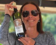Na vinobraní mohli místní poprvé ochutnat a hlavně koupit Kadaňské víno.