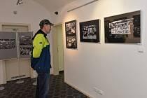 V galerii Kryt v Klášterci mohou návštěvníci zhlédnout výstavu dvou autorů.