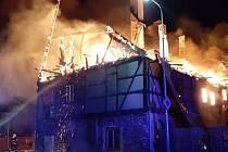 Požár domu ve Výsluní na Chomutovsku.