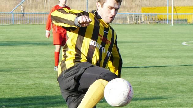 I přes řadu šancí fotbalisté FC Chomutov v Plzni s béčkem Viktorie pouze remizovali 1:1.
