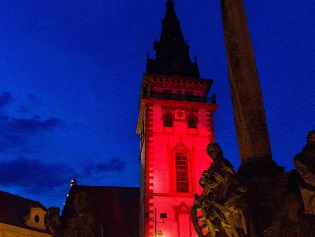 Červená věž proti AIDS.