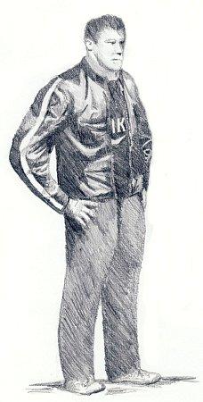 Popis pachatele: Muž ve věku 25 30let, bílé pleti, vysoký kolem 175180cm, střední postavy. Vyloženě štíhlý nebyl. Měl hnědé krátké vlasy česané rovně dopředu. Oči měl do hněda, užší. Byl oholen. Zjeho řeči bylo patrné, že je pod vlivem alkoholu. Mluvi