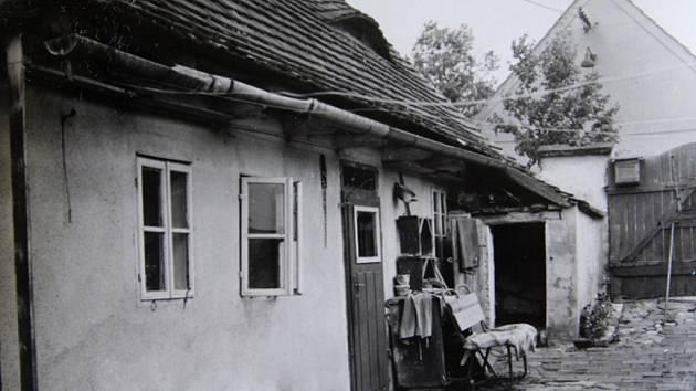 Další díl našeho historického seriálu nás zavede do obce Voděrady.