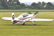 Když navštívíte všechny tři zahrady, třeba právě takovým letadlem se proletíte.