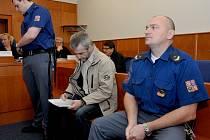 Obžalovaný Richard Slaný u chomutovského soudu.