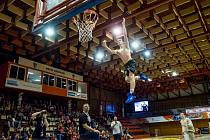 V Chomutově se u příležitosti konání MČR U14 dívek uskutečnila i basketbalová show, v které se představila skupiny Fly Addiction Team