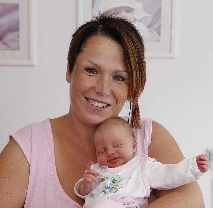 Malá Eliška se narodila Lucii Černé z Kadaně. Na svět přišla 8. srpna v 16:42 hodin, měřila 58 centimetrů a vážila 2,91 kilogramu.