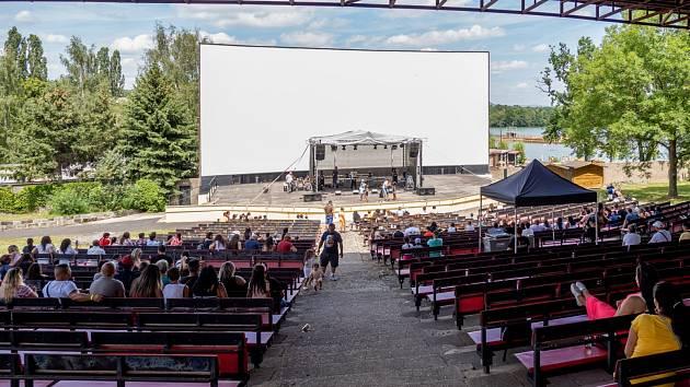 Letní kino u Kamencového jezera