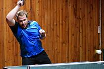 Na snímku hráč KST Jirkov B Vojtěch Průša, který pět zápasů vyhrál a s Michalem Dännerem vyhráli jednu čtyřhru.