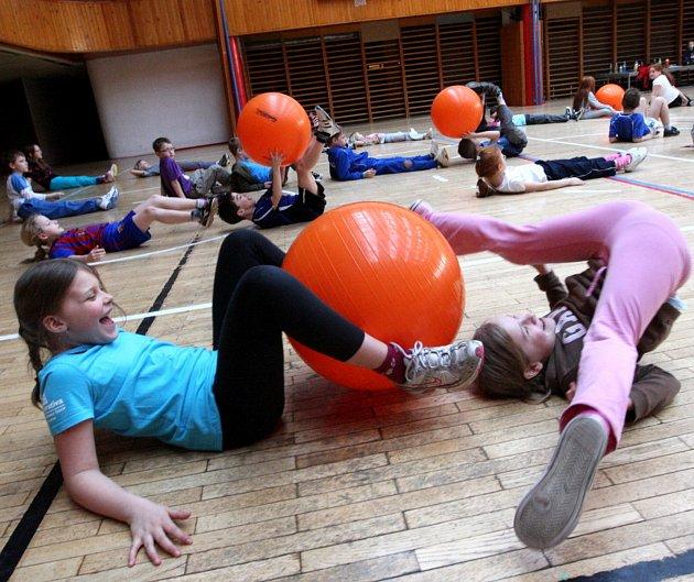 MINIŠKOLA sportu už nabízí jen pár volných míst. Děti se v ní naučí základy sportů a užijí si různé soutěže.