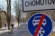 Lidé na Chomutovsku si mohou vybrat, co budou dělat o víkendu. Někteří už včera vyrazili do Bezručova údolí na kole.