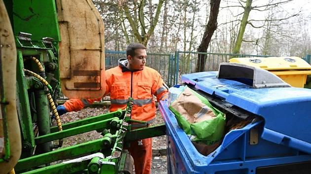 Dvě stě tun odpadu skončilo v chomutovských kontejnerech.
