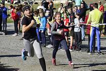 Do zámecké zahrady v Klášterci se dostavili nadšenci sportovního běhu. Na startu mimo nejmenších ratolestí startovala spousta soutěžících v podobě žáků dorostenců a dospělých běžců.