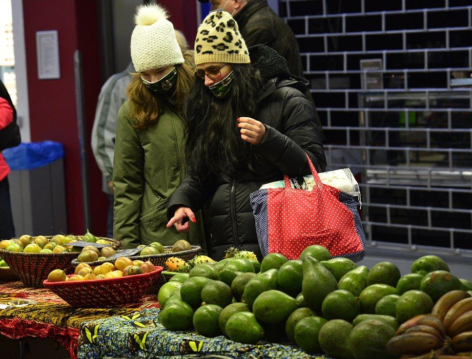 V obchodním centru v Chomutově se konaly Africké trhy. Návštěvníci si mohli nakoupit čerstvé exotické ovoce které není k dostání v běžných obchodech.