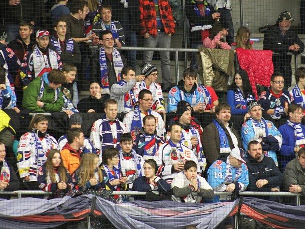 Fanoušci Pirátů v posledním domácím utkání se Slavií