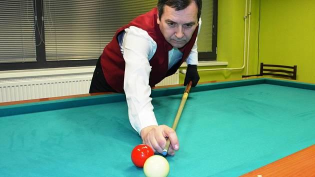 Hráč 1. KK Chomutov Tibor Svetko.