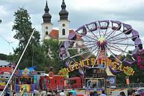 Tradiční pouť proměnila jinak poklidné Březno v centrum víkendové zábavy.