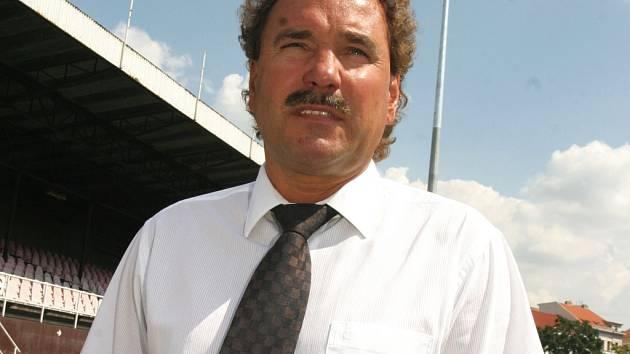SPORTOVNÍ MANAŽER. Ivan Horník se snaží pozvednout sportovní stránku klubu.