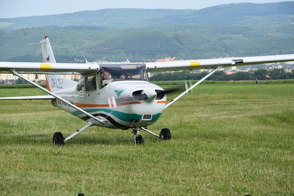 Cessna 172 na letišti v Pesvicích.
