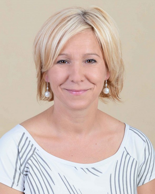 Lenka Nítková -ČSSD, 42 let, oblastní manažerka.
