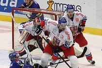 Na domácím ledě čeští hokejisté nakonec prohráli se Švédy