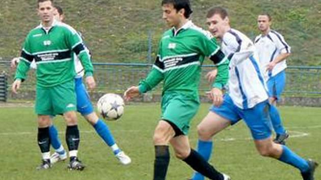 DERBY Tatran Kadaň – AFK LoKo Chomutov skončilo výhrou hostů 2:1. Oba góly vítězů vstřelil útočník Martin Milo.