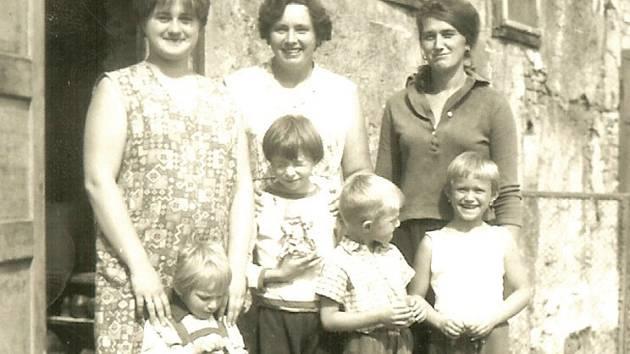 Na snímku rodina paní Pintérové.
