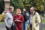 V bývalých chomutovských lázních natáčejí seriál o drogové mafii. Vlevo režisér Viktor Tauš.