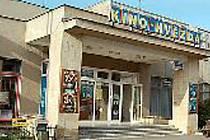 NA FILM I KÁVU. Součástí předsálí bude nová kavárna.