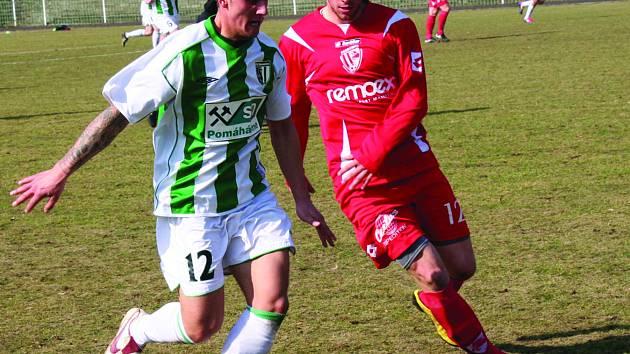 Snímek z utkání FC Chomutov - Pardubice.