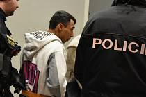 Chomutovský soud poslal do vazby dva muže, kteří měli v Jirkově brutálně zbít a okrást postiženého Michala K.