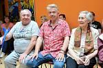 Jaroslav Svěcený proměnil kadaňský Domov pro seniory v koncertní síň