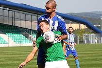 Radek Szmek (v zeleném) si nejméně jeden zápas po červené kartě nezahraje.