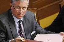 Premiér Topolánek při zasedání sněmovny.