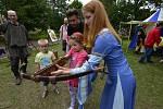 Bohatý program si mohli užít návštěvníci pouti v Březně u Chomutova.