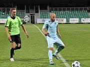 Divizní dohrávka Chomutova (v modrém) proti Velvarům