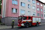 Požár matrace na chodbě domu ve Vejprtech vyhnal lidi z domovů