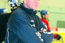 PŘIVEZE HVĚZDY. Pod trenérem reprezentace Aloisem Hadamzcikem by měli nastoupit například Tomáš Rolinek nebo Roman Červenka.